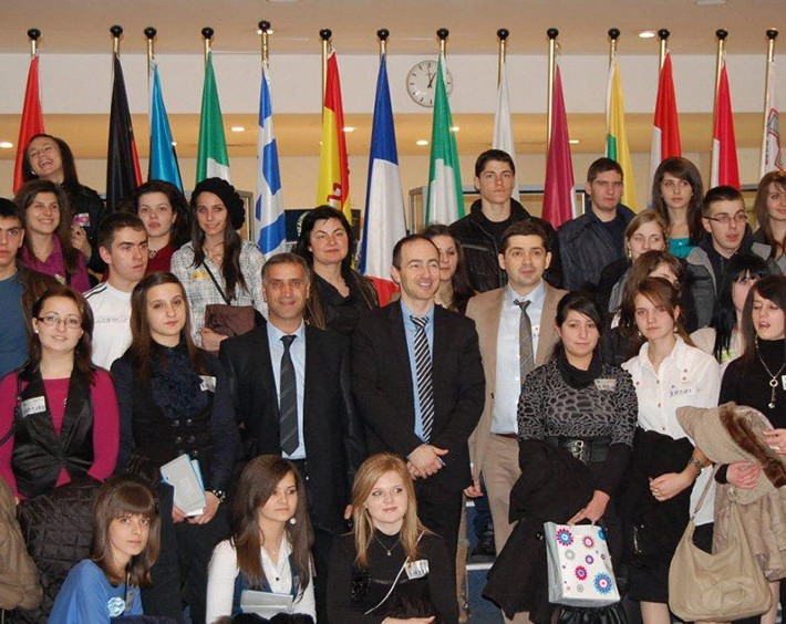 "Dr. Milen Vrabeski visting the European parliament with a group of students, participants in his initiative ""STRONG NATIONAL IDENTITY – STRONG EUROPEAN IDENTITY"""