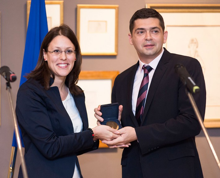 "Dr. Milen Vrabevski and Mrs. Monika Panayotova, Member of the European parliament - receiving the ""European Citizens' Prize"" at the National award ceremony in Sofia, 11 Oct 2013"